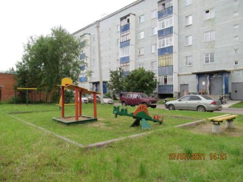 детские площадки 5 микрорайон. д.13